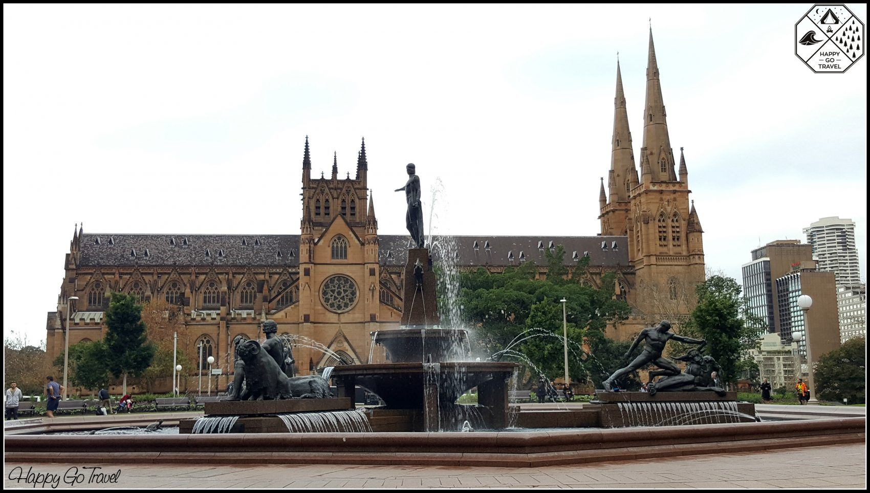 Sydney landmarks | historic castle and water fountain