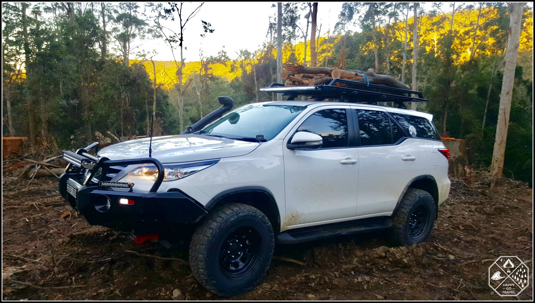 Rola Titan Tray on a Toyota Fortuner. Loaded with fire wood