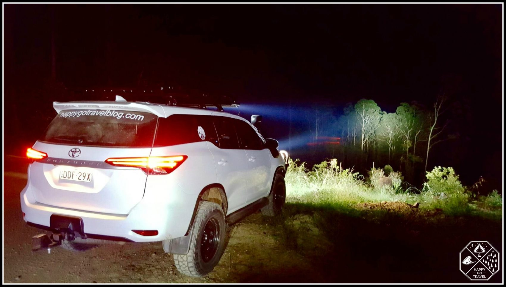 Toyota Fortuner Lighting up trees off in the night with Stedi led light bars.