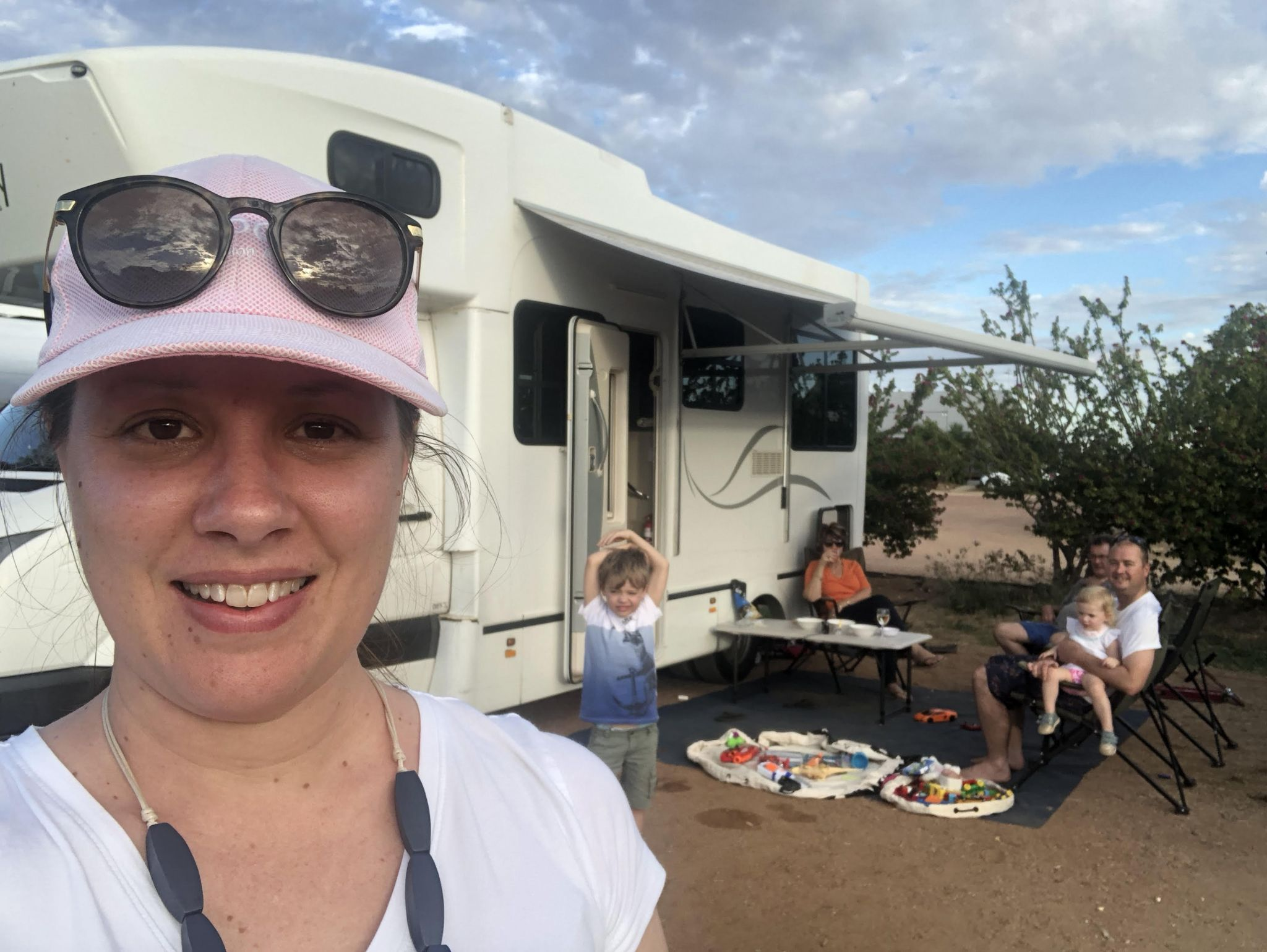 travelling with kids on a Roadtrip from Brisbane to Winton Qld